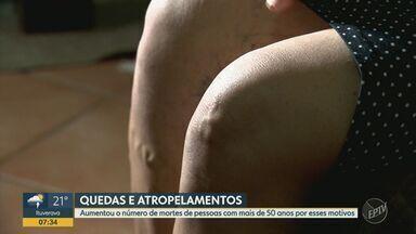 Nº de idosos mortos em quedas e atropelamentos cresce 23% em oito anos, aponta SEADE - Levantamento feito pela fundação analisou, entre 2000 e 2018, casos de pessoas com mais de cinquenta anos no estado de São Paulo.