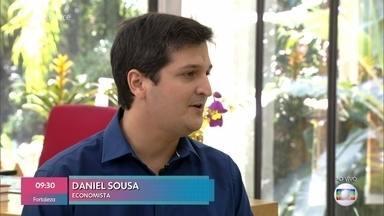Daniel Souza dá dicas de economia e fala sobre os impostos de início de ano - Por conta de mudanças na legislação, bancos poderão cobrar taxas sobre o valor oferecido no limite do cheque especial mesmo que o cliente não utilize o crédito