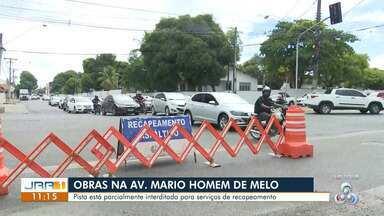 Avenida Mário Home de Melo é interditada para recapeamento - Pista está parcialmente interditada para serviços de restauração da via