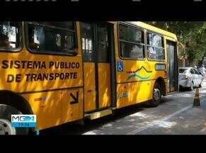 Trânsito interditado na rua Bárbara Heliodora no centro de Valadares - População reclama dos transtornos das obras no centro da cidade