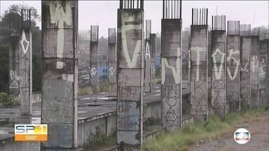 Estações Vila Mendes Natal e Varginha devem ficar pronta até 2022 - Obras fazem parte da expansão da linha 9-esmeralda. As duas estações estão em construção desde 2013. As obras pararam e agora devem ser retomadas.