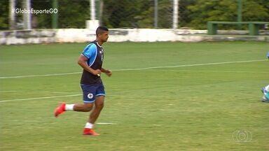 Lucão retorna ao Goiás e espera repetir grande temporada de 2018 - Há dois anos, atacante foi destaque e terminou o ano com 21 gols