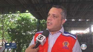 Mais de 200 moradores de Contagem ficam desalojados após enchente - Sete famílias estão desabrigadas, segundo Defesa Civil
