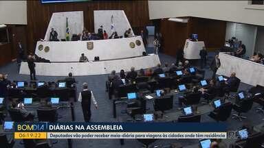 Deputados discutem pagamento de diárias - Deputados vão poder receber meia-diária para viagens às cidades onde têm residência.