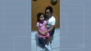 Menina que caiu de toboágua em Catalão recebe alta médica - Luna, de 5 anos, ficou dez dias internada no Hugol, em Goiânia.