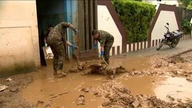 Chuva volta a causar estragos no sul do Espírito Santo - Barranco deslizou em São José do Calçado e cobriu a estrada de lama. Chuva dos últimos dias deixou sete mortos.