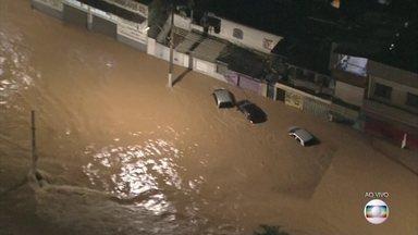 Volta a chover forte na noite de sexta (24) em Belo Horizonte - Esta sexta foi o dia mais chuvoso da história da cidade, o que provocou deslizamentos e mortes.
