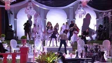 Camarote e Pipoca dançam funk com coreografia em festa - É Fit Dance que fala, amores?!