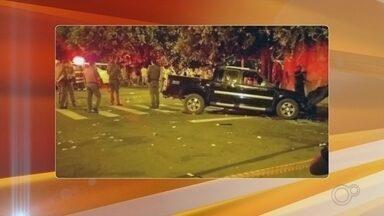 Motorista atropela 17 pessoas em bar em Nova Independência; duas morreram - Segundo a polícia, motorista estava no bar com a mulher quando teria discutido com outros homens que estavam no local. O suspeito saiu e voltou com a caminhonete atropelando o grupo.