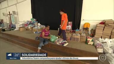Voluntários fazem campanha para ajudar vítimas da chuva - Mais de 220 famílias estão acolhidas em abrigos de Belo Horizonte.