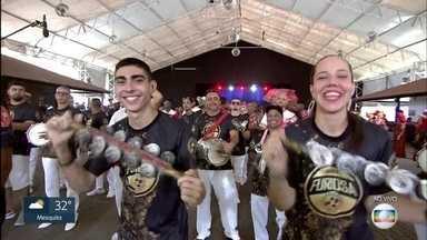 Salgueiro começa trajetória do carnaval do RJ1 na Cidade do Samba - A Cidade do Samba é uma 'fábrica de sonhos' e tem 13 barracões e mais de 3 mil pessoas trabalham no local para colocar as escolas na Sapucaí.