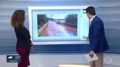 Estragos causados pela chuva alteram o trânsito em vários pontos - Veja as principais alterações e desvios.