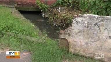 População reclama de canal entupido em Codó - Problema tem tirado o sossego dos moradores do município.
