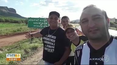 Torcedores do Central viajam 400 km para acompanhar o jogo do patativa no Sertão - Grupo de amigos pegou a estrada para assistir ao empate do Central em 1 a 1 com o Salgueiro.