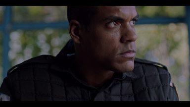 Episódio 5 - Mikhael tem dificuldade de se adaptar à rotina de Miracema, mas o novo posto também traz surpresas. Ronaldo está perto de desvendar um esquema mais complexo do que imagina.