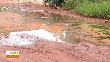 Moradores do setor Lago Norte sofrem com as ruas sem asfalto - Moradores do setor Lago Norte sofrem com as ruas sem asfalto