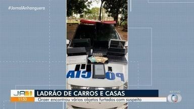 Graer prende homem suspeito de furtar casas e arrombar carros, em Goiânia - Com ele, foram encontrados vários objetos roubados.