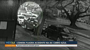 Câmera flagra acidente na avenida Cerro Azul - Motociclista foi levado ao hospital em estado grave.
