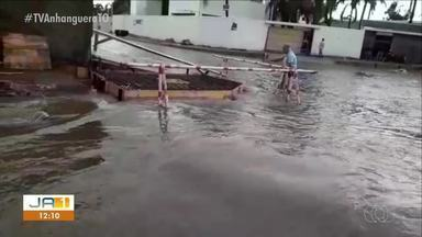 Moradores de bairro em Gurupi sofrem com alagamento - Moradores de bairro em Gurupi sofrem com alagamento