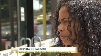 Empresária afirma que foi discriminada em agência bancária no Rio de Janeiro - Uma blogueira e empresária do Rio foi a delegacia registrar queixa depois que funcionários de um banco levantaram suspeita de que ela estava cometendo algum tipo de fraude. Lorena Vieira é negra e disse que os funcionários estranharam o fato dela ter bastante dinheiro na conta.