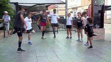 Atleticanos montam grupo de corrida em Barbacena - Torcedores do Galo se exercitam e se divertem juntos pelas ruas da cidade