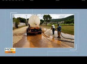 Prefeitura de Resplendor dá início à limpeza na cidade após cheia do Rio Doce - Ação aconteceu na orla sul, no Centro. Água não invadiu nenhuma casa.