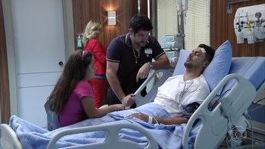 Jorginho se recupera aos poucos e chama por Rita - Nina sofre e se recorda de Jorginho