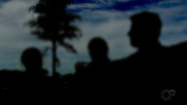 Alunos ocupam universidade investigada pela PF por vendas de vagas em medicina - Alunos da Universidade Brasil, alvo da Operação Vagatomia que investiga desde setembro do ano passado uma organização criminosa suspeita de vender vagas e cometer fraudes no Fies, Prouni e Revalida, estão acampados na instituição como forma de protesto.