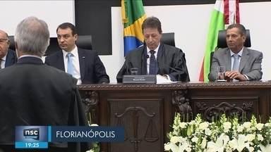 Ricardo Roesler toma posse como presidente do TJSC - Magistrado ficará no cargo durante biênio 2020/2022