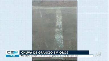 Moradores comemoram chuva de granizo em Orós - Confira mais notícias em g1.globo.com/ce