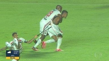 Em jogo marcado pela arbitragem, São Paulo empata com Novorizontino - Atacante Brenner fez o gol de empate do tricolor no fim do jogo