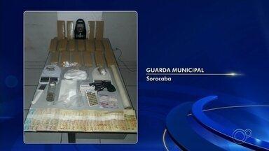 GCM apreende quase 13 quilos de drogas no Paineiras em Sorocaba - Guardas municipais apreenderam quase 13 quilos de droga em Sorocaba (SP) na quarta-feira (5). Foi no Parque Paineiras.