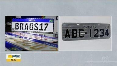 Diretor do Detran tira dúvidas sobre troca das placas de carro para o padrão Mercosul - Aumento da segurança é uma das vantagens da troca. Motoristas reclamam do alto custo.