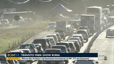 Trânsito é intenso para o último dia do Show Rural - A feira reuniu milhares de pessoas durante esta semana.
