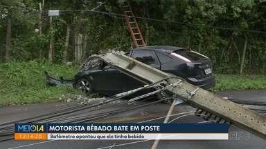 Motorista bate em poste no Pilarzinho - Bafômetro apontou que ele tinha bebido antes de dirigir.