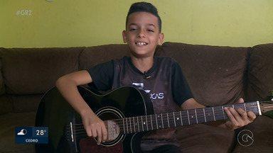 Aprovado no The Voice Kids, Pedro Lucas sonha em ser famoso como o ídolo, Gusttavo Lima - Pedro Lucas tem 10 anos e está no time de Simone e Simária