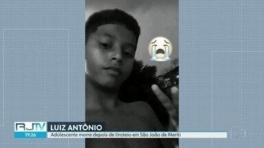 Adolescente morre depois de tiroteio em São João de Meriti - A polícia investiga a morte de um jovem de 14 anos. Ele levou o tiro ao lado da mãe adotiva durante um tiroteio em São João de Meriti.
