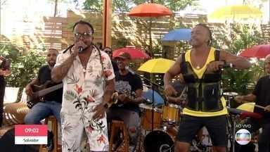 Tchakabum canta 'Explosão' - Grupo abre o 'É de Casa'