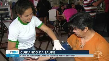 Centro de Artesanato Cristo Rei oferece atendimentos em saúde a artesãos e visitantes - Ação estimula práticas saudáveis.