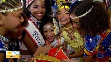 Crianças entram no clima do carnaval no Balmasquezinho - Baile é uma das mais tradicionais prévias infantis.