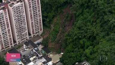 Deslizamento atinge área de lazer de prédio no Leme, zona sul do Rio de Janeiro - São esperadas chuvas fracas a moderadas ao longo de toda a quarta-feira