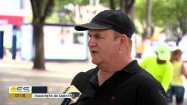 População pede socorro para acabar com assaltos no Centro de Vila Velha, ES - Quem passa pelos arredores da praça Duque de Caxias quer reforço na segurança.