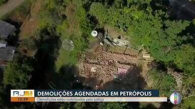 Demolições estão autorizadas pela Justiça em Petrópolis, no RJ - Moradores das margens da BR-040 correm o risco de ter que sair de casa a qualquer momento.