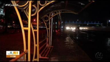 Usuários não utilizam parada de ônibus na BR-316 por falta de segurança na área - Usuários não utilizam parada de ônibus na BR-316 por falta de segurança na área