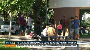 Criança morta com sinais de agressão é enterrada em Umuarama - A criança que era de Cruzeiro do Oeste faria 3 anos hoje. O tio continua preso.