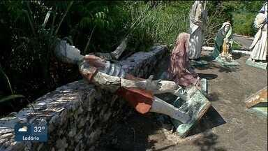 Estátuas do morro do Cristo Rei do Pantanal, em Corumbá, são vandalizadas - Obras foram retiradas e ponto turístico foi fechado.