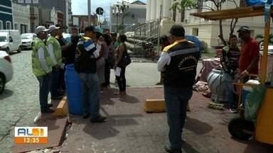 Fiscalização é realizada em local das prévias de carnaval em Jaraguá - Houve vistoria na estrutura do local e fiscalização dos ambulantes que vão trabalhar na região.