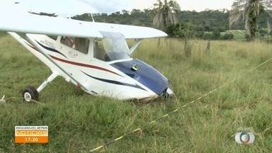 Avião faz pouso forçado em pasto de Goiânia - Veja este e outros assuntos no Anhanguera Notícias.