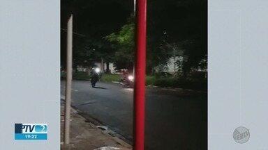 Moradores do bairro Geraldo de Carvalho reclamam de rachas de veículos em Ribeirão Preto - População afirma que as infrações ocorrem aos domingos. PM diz que reforçou o patrulhamento no local.