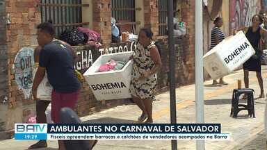 Semop e outros órgãos apreendem barracas de ambulantes que guardavam lugar para o Carnaval - A apreensão foi nesta sexta-feira (14). Houve correria com caixas de isopor.